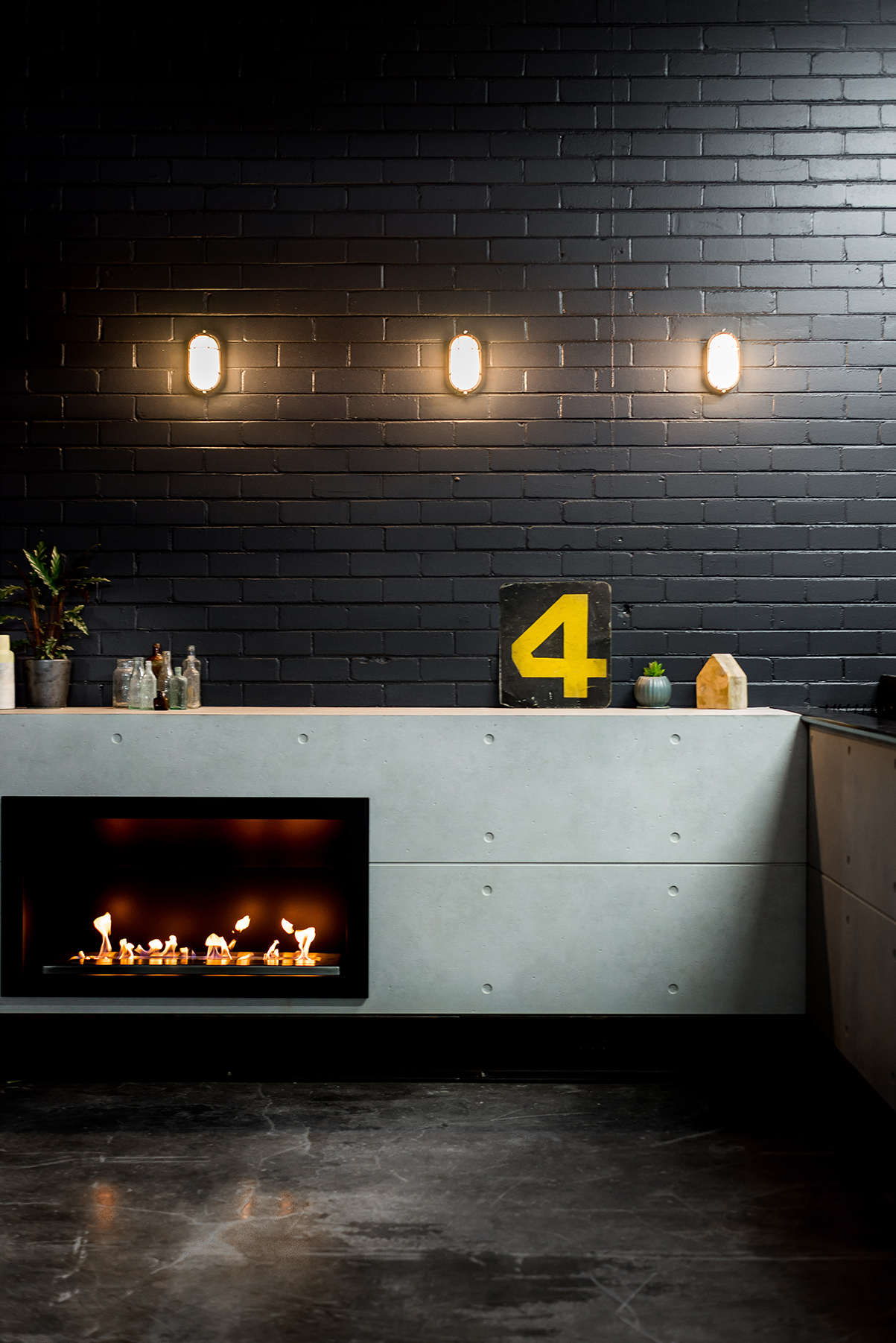 Icon Fires Black Commercial Classic Firebox