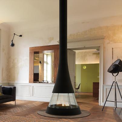 Bordelet Line Sculpt Woodpecker Fireplace France